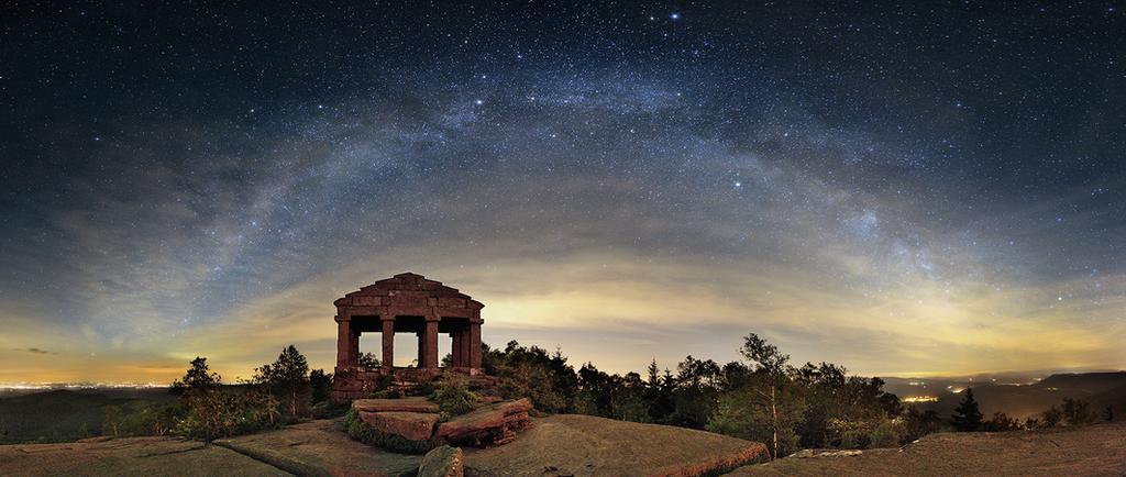 http://www.nuitsacrees.fr/_media/img/large/panostacknx2000-star.jpg